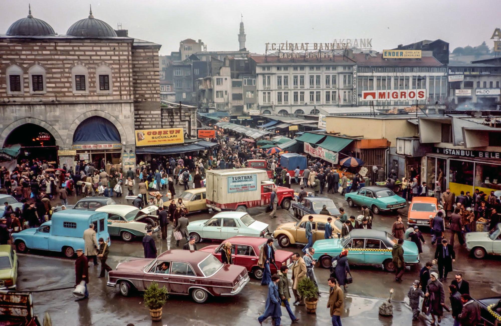 1978 Istanbul by Bruno Demostene