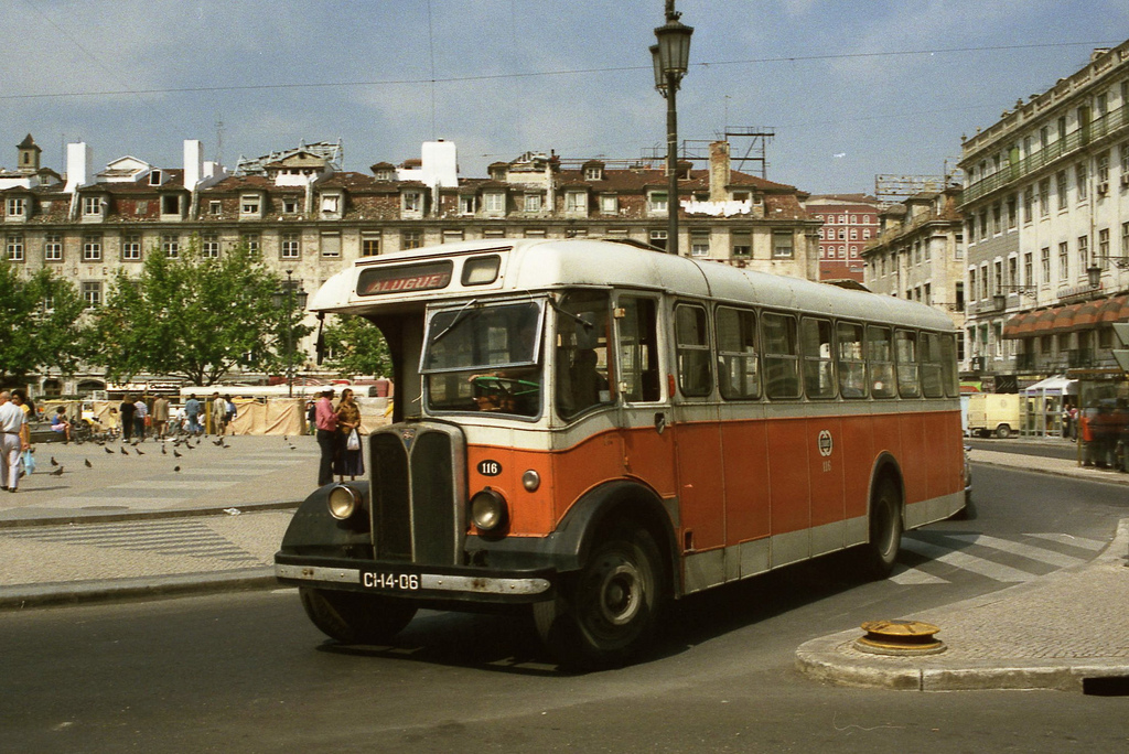 1988 Lisbon Carris AEC Regent 116 (CI-14-06) in Lisbon centre on 20 June 1988