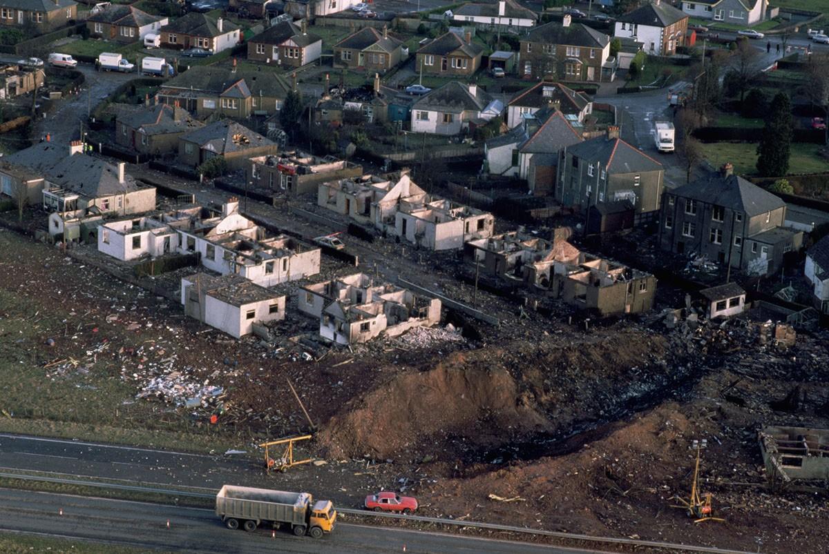 Взрыв Boeing 747 над Локерби — крупная авиационная катастрофа, произошедшая в среду 21 декабря 1988 года
