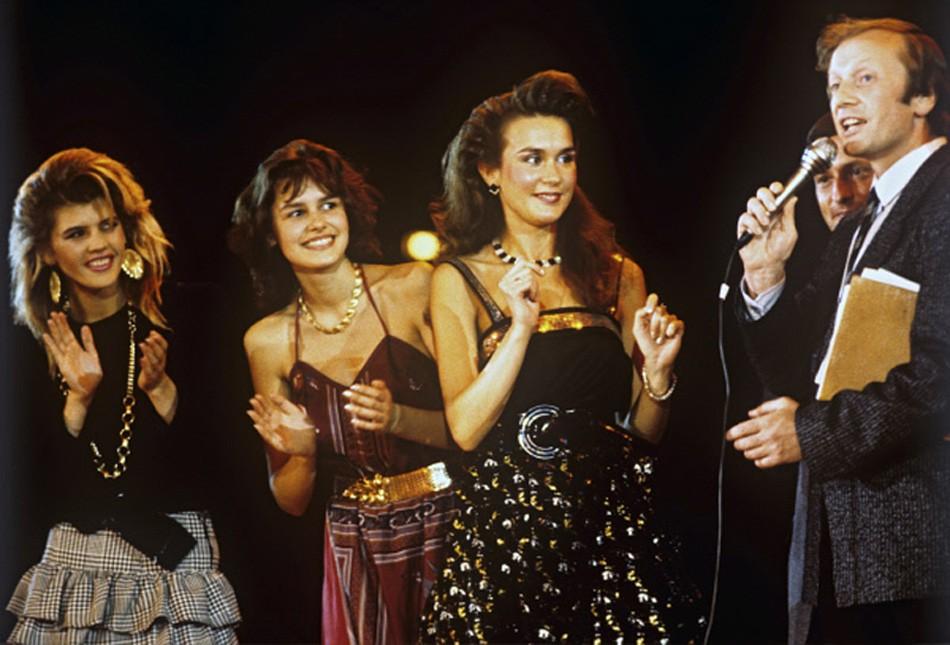 1988 году состоялся первый официальный конкурс красоты Московская красавица Участницы должны были ответить на вопросы Задорнова