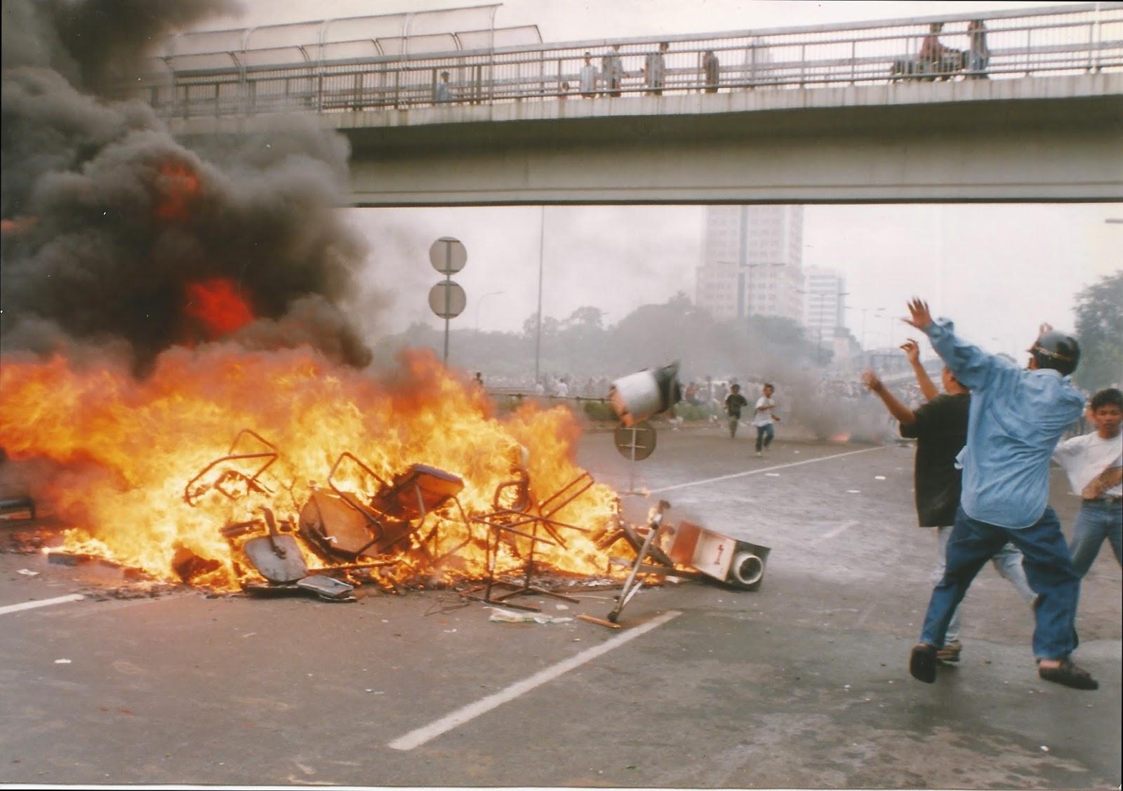 1998 Jakarta unrest2_2