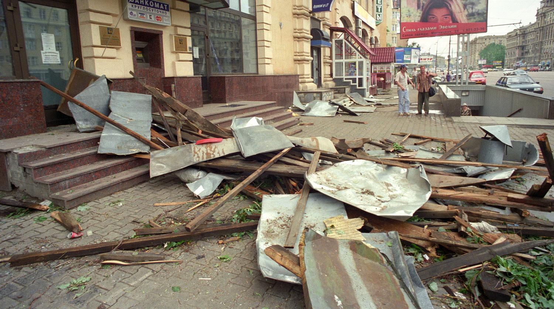 1998 год. Последствия урагана в Москве.ТАСС