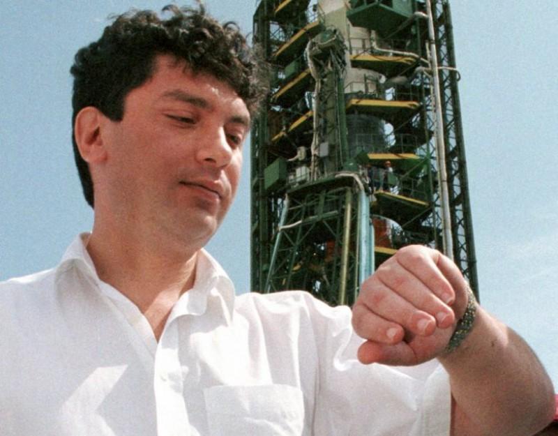 Борис Немцов, временно исполняющий обязанности вице-премьера РФ, август 1998 года