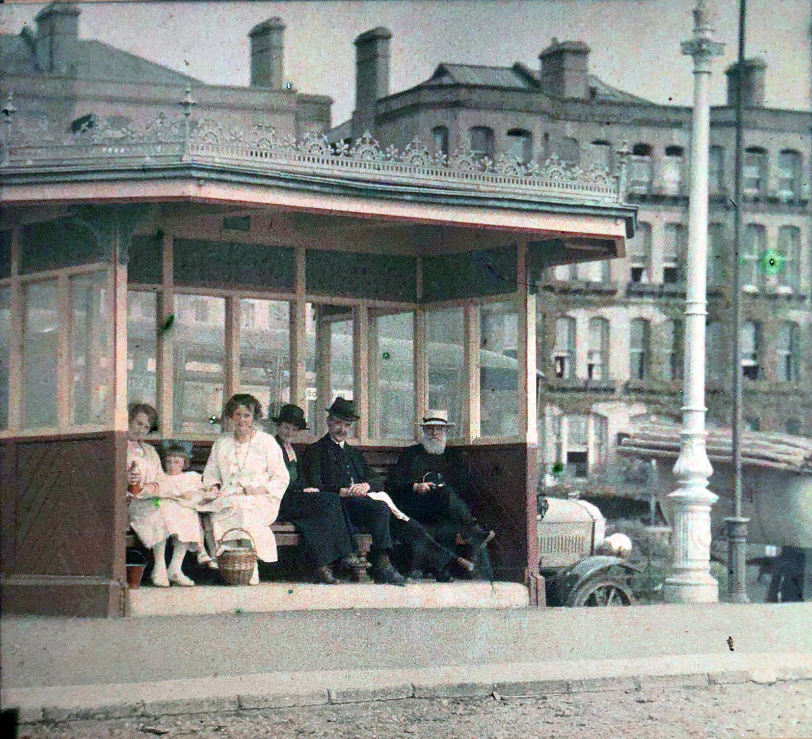 1910s Paris Bus stop