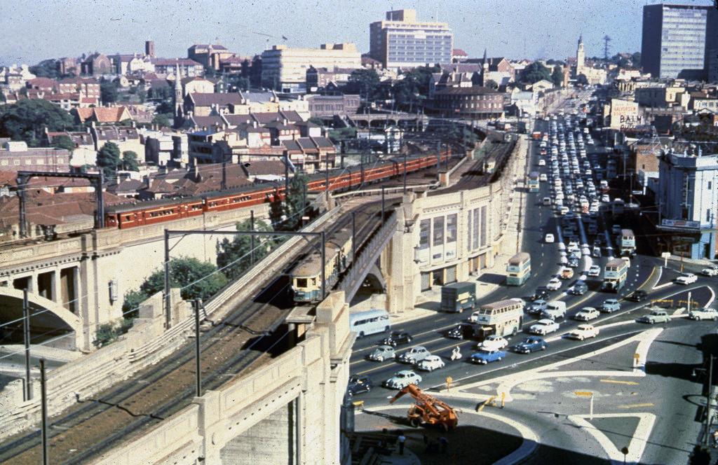 1958 Сидней, трамаи на мосту через Bradfield Highway