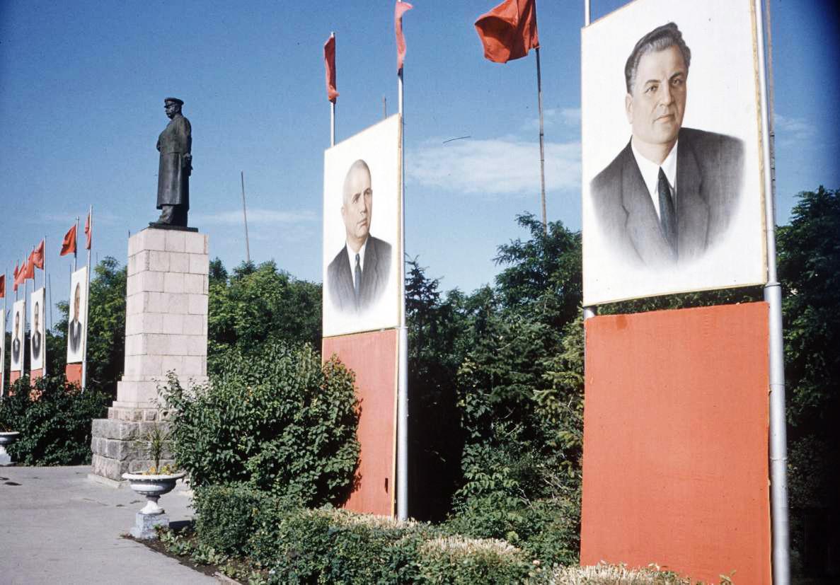 1958 Сталинград. Площадь павших борцов