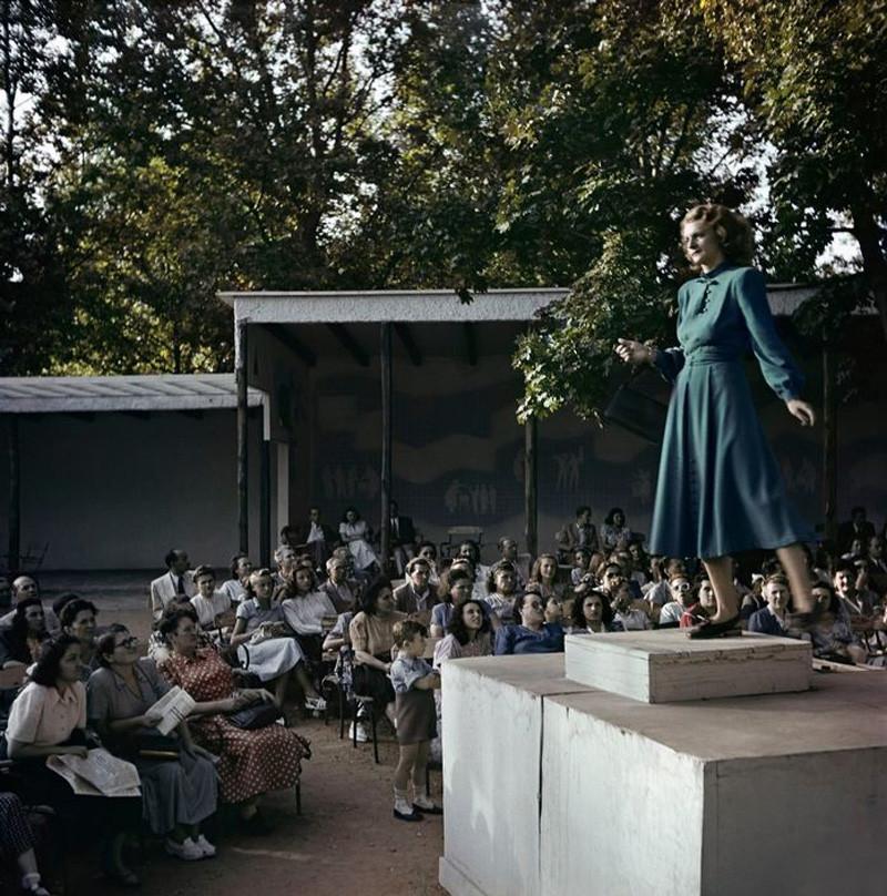 Budapest, 1948. Fashion show