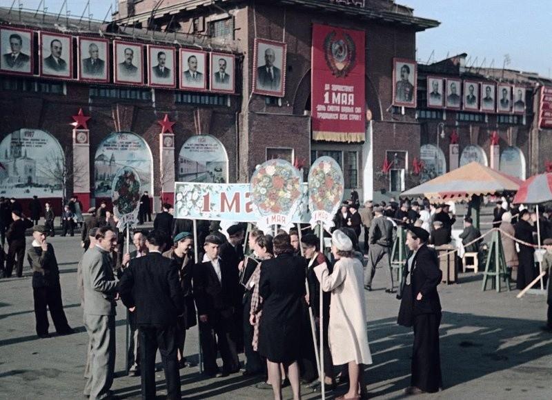 Первомайская Москва 1948-го. Демонстрация Пролетарского района, снимал Владислав Микоша