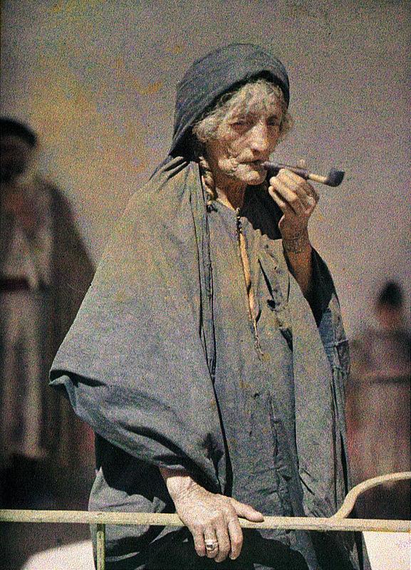 1918 3 августа Иерусалим курильщица трубки фото Поля Кастельно Paul Castelnau