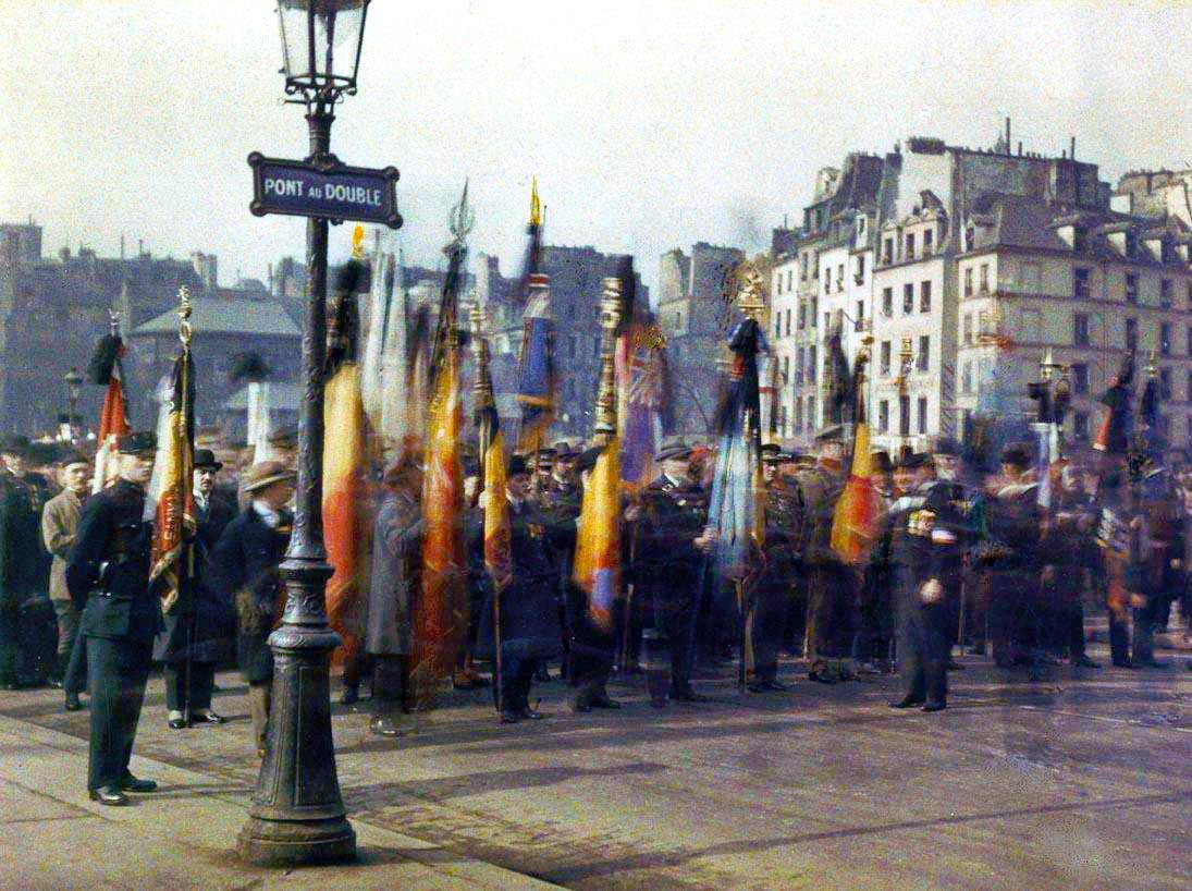 1918 Parvis de Notre Dame
