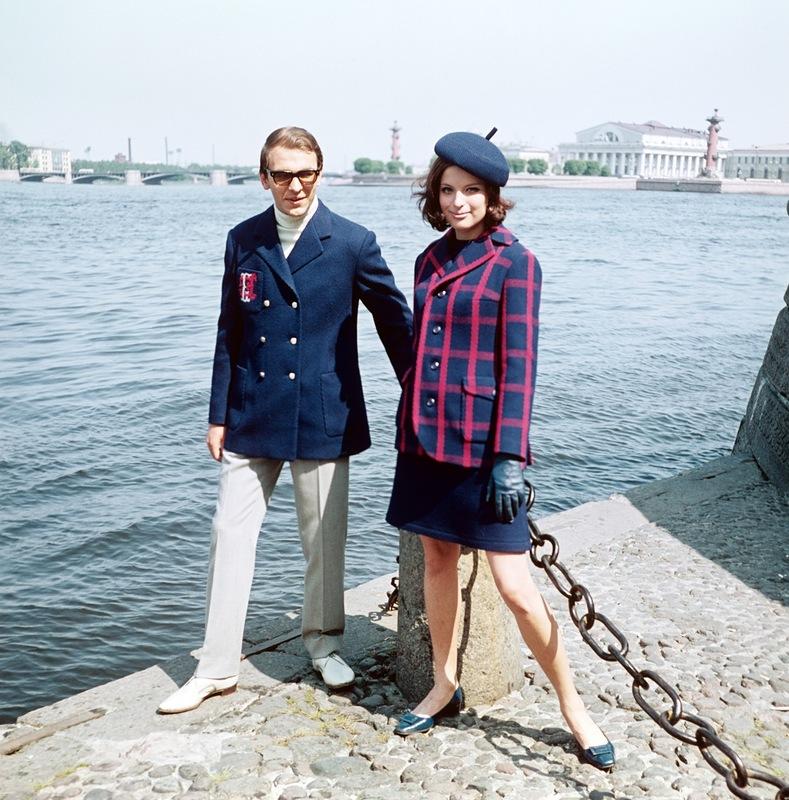 Весенние комбинированные костюмы из новых шерстяных тканей.1968 г. Фотохроника ТАСС П.Федотов