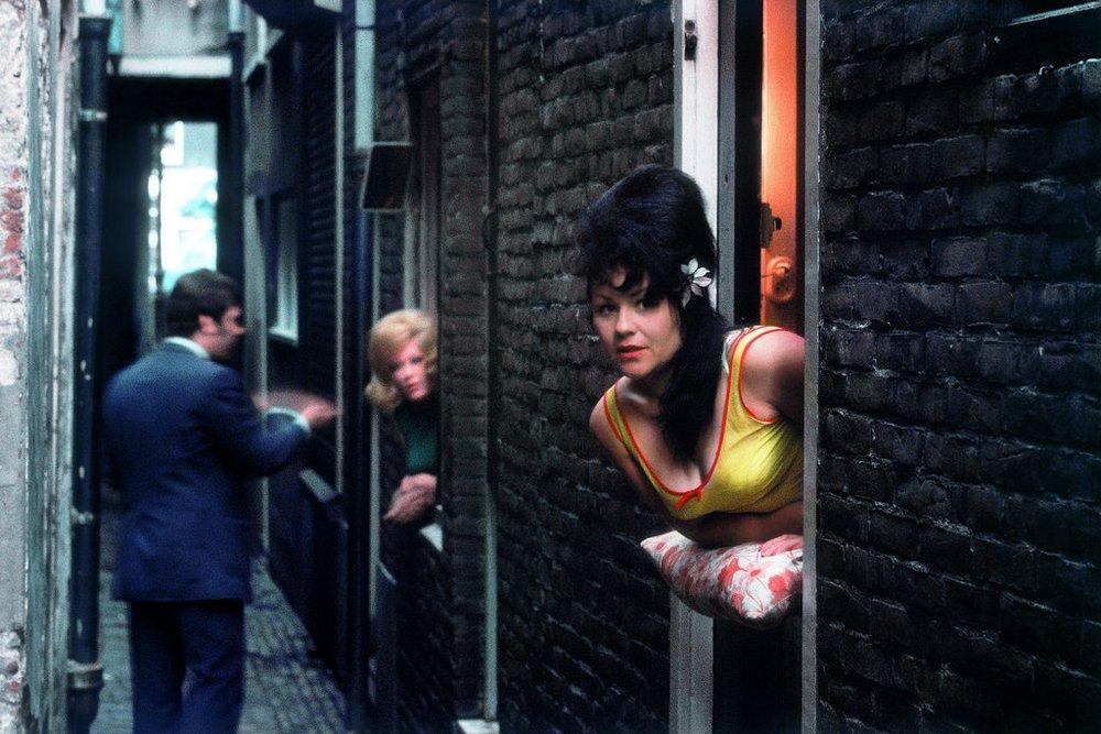 1968 Амстердам, квартал красных фонарей Elliott Erwitt