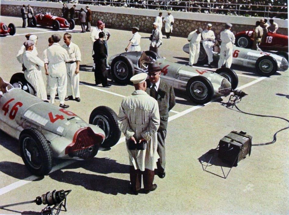 1938 GP Tripolis Mercedes i mechanicy Srebrnych Strzał
