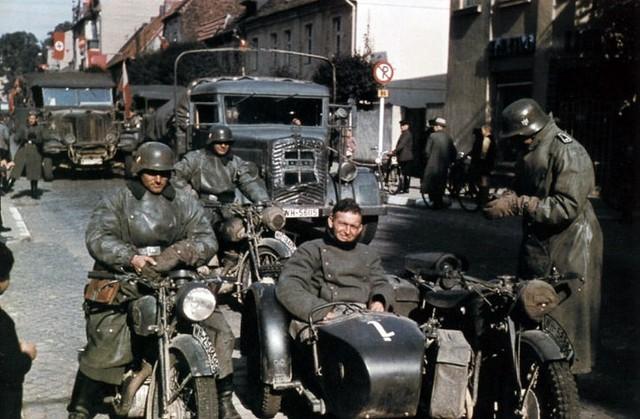XX siècle en couleur. 1938 Le monde est au bord de la guerre il y a 80 ans.
