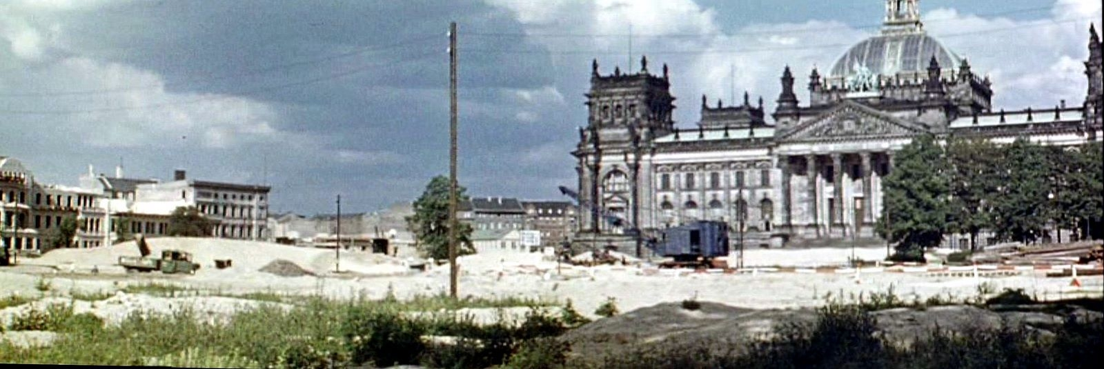 1938 Начали рыть котлован под новое русло Шпрее для строительства Гроссехолла2