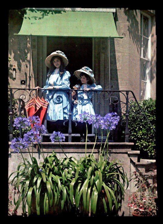 Цветные фотографии (автохром) Этельдреды Лэинг, запечатлевшей своих дочерей 1908 году2
