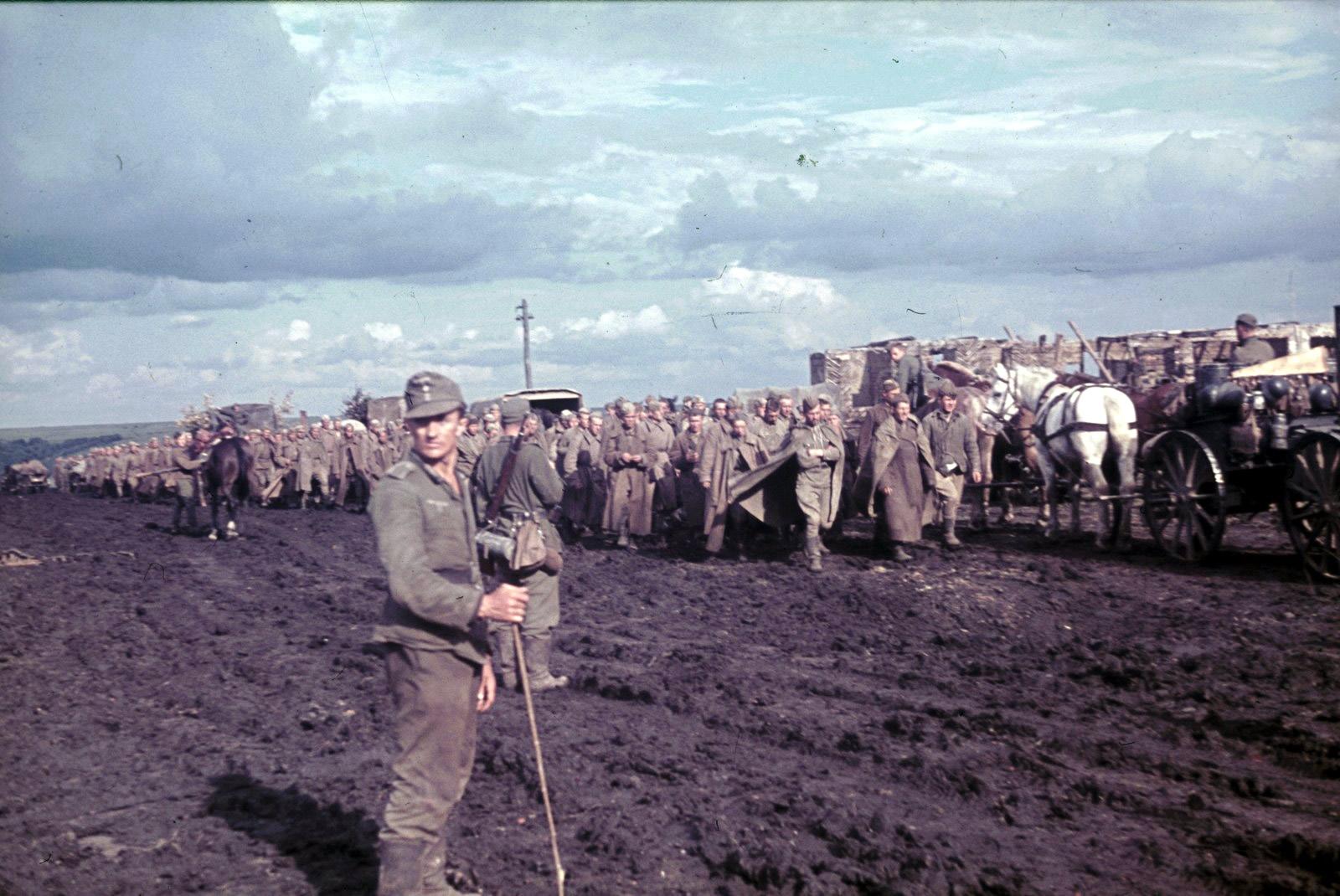 1943 belgorod-by-franz-grasser-военнопленные