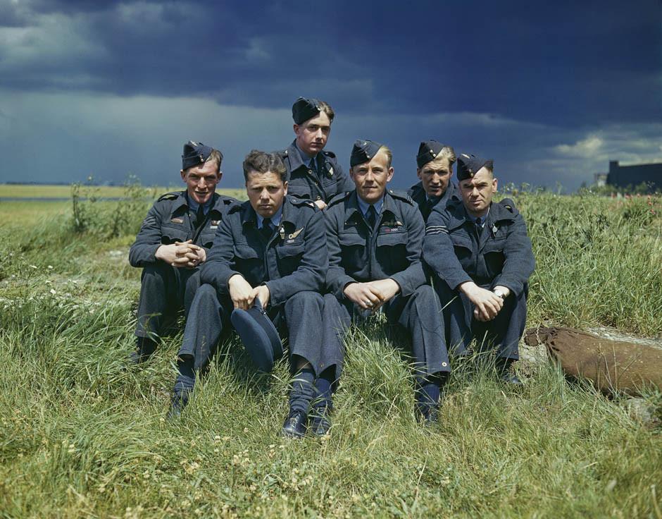 1943 Пилоты английской экскадрильи Официальное фото Royal Air Force