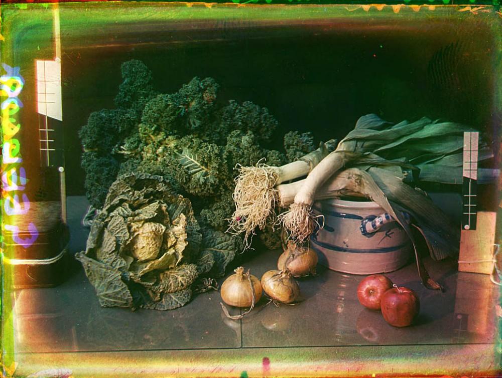 Stilleven met groenten waaronder prei
