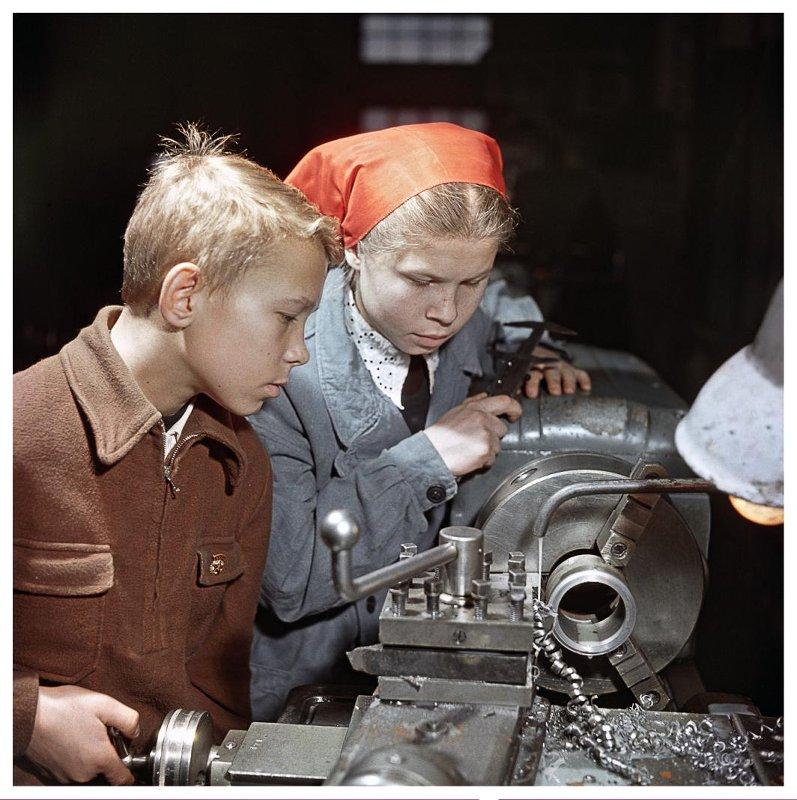 Производственное обучение. Поселок Капотня, 1958 год