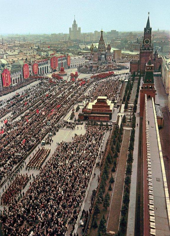 1956 Демонстрация на Красной площади. Андрей Новиков