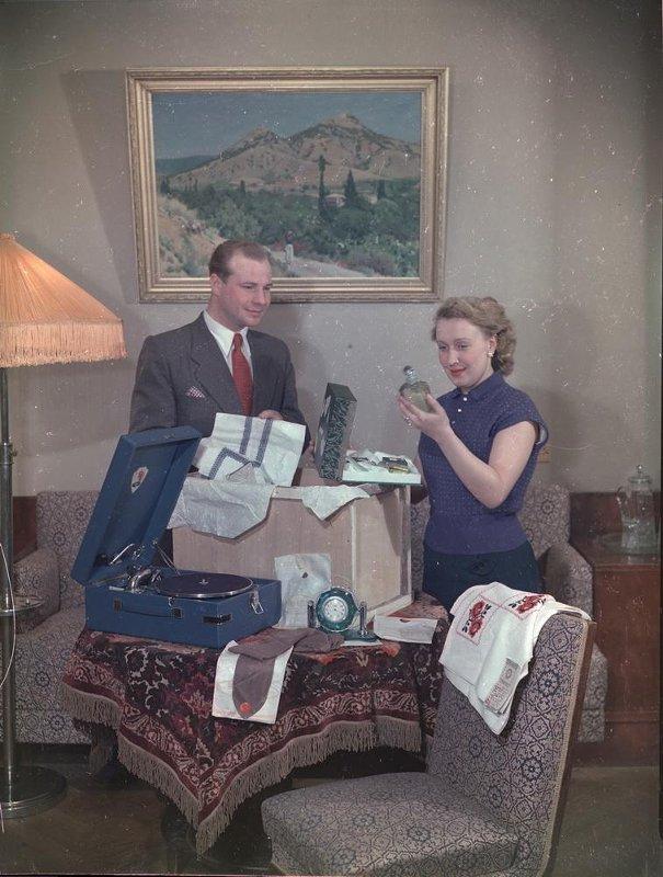 1950е Выбор подарков. Мишин-Моргенштерн Семен Михайлович