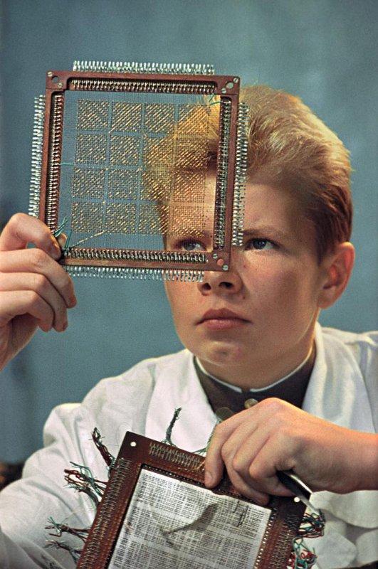 Саша Решмин будет делать электронно-вычислительную машину. 1961 год