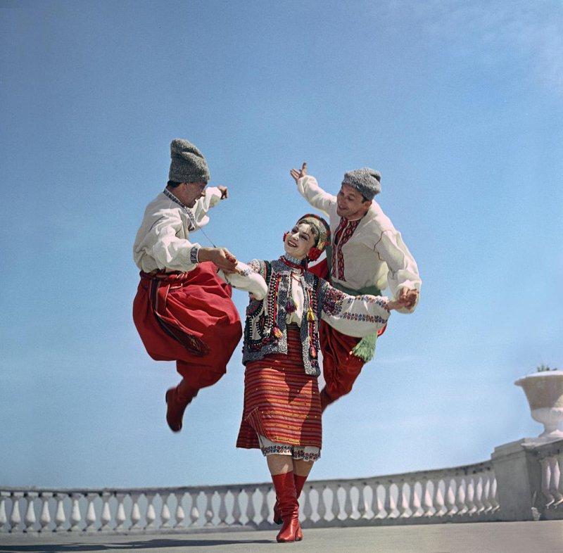 1959 Гопак. Выступает Государственный заслуженный ансамбль танца Украинской ССР. Бальтерманц