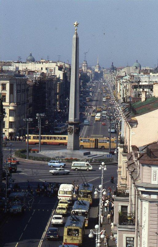 1985 Невский проспект, обелиск «Городу-Герою Ленинграду». Всеволод Тарасевич