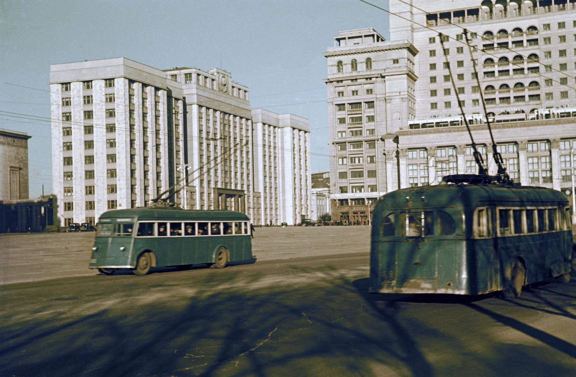 1938 Манежная площадь