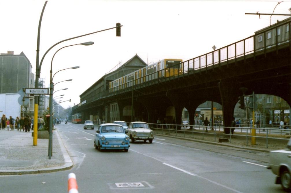 1989 Berlin Schoenhauser Allee