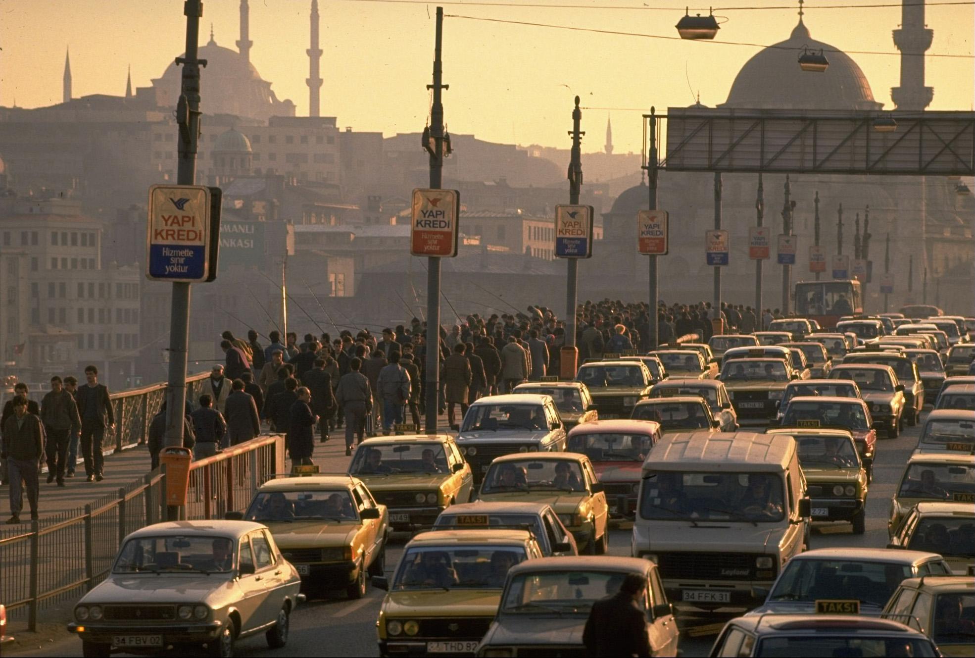 1989 Istanbul Galata Bridge