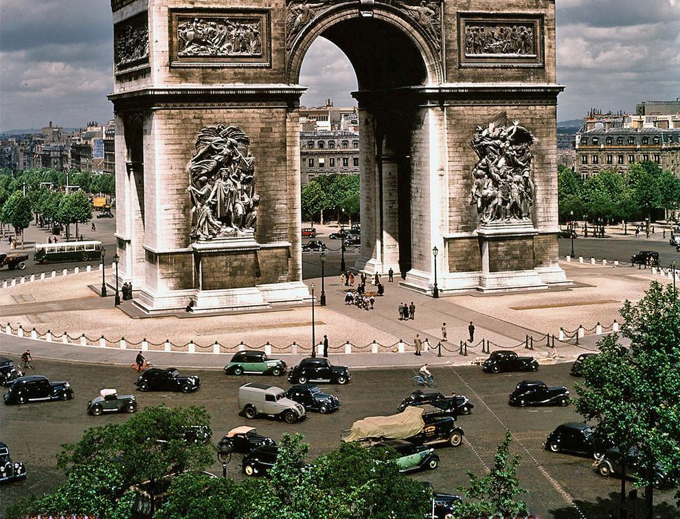 1939 Paris in july. William Vandivert
