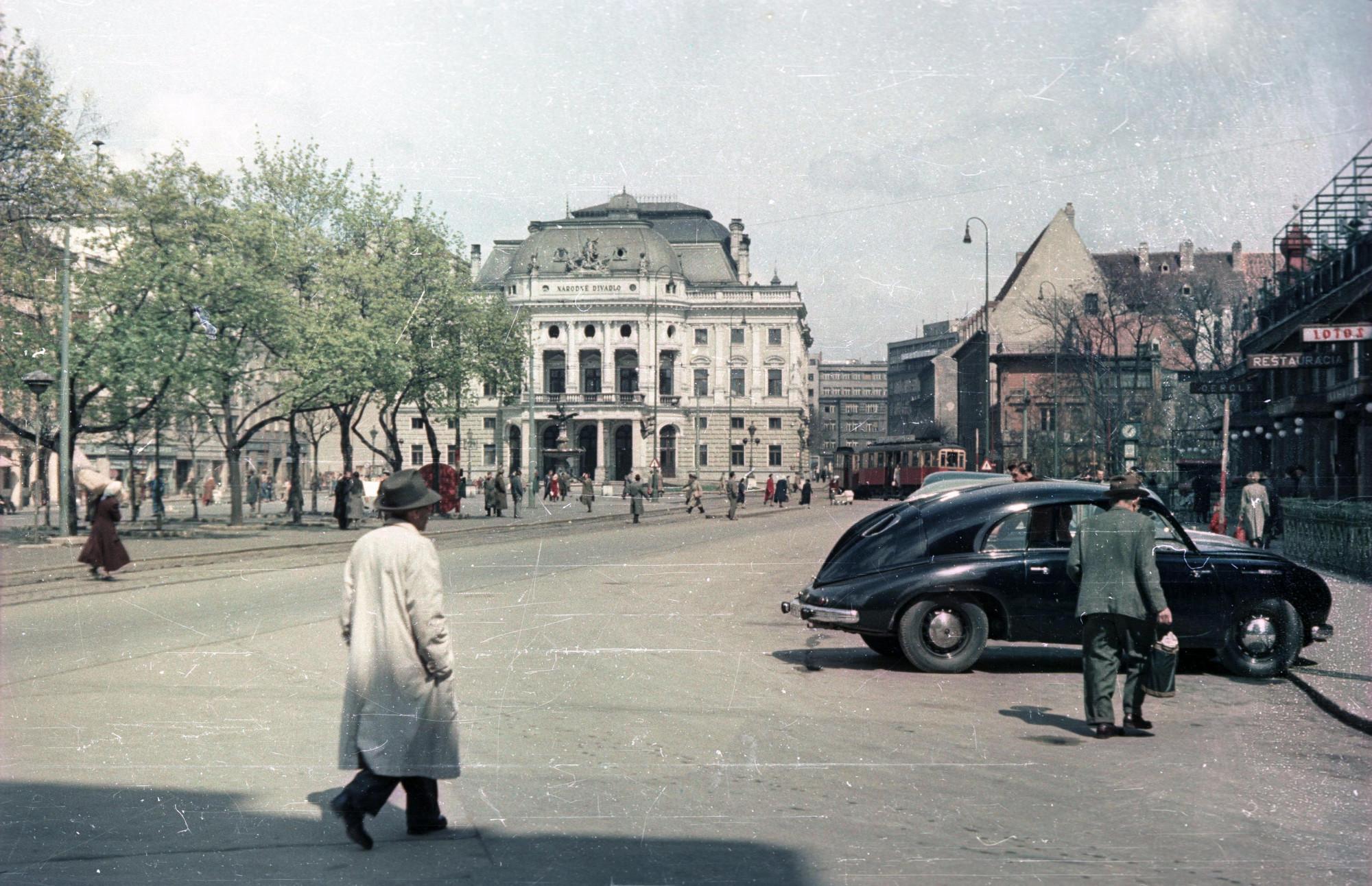 1959 Bratislava Братислава. Площадь Гвездослава напротив Национального театра2