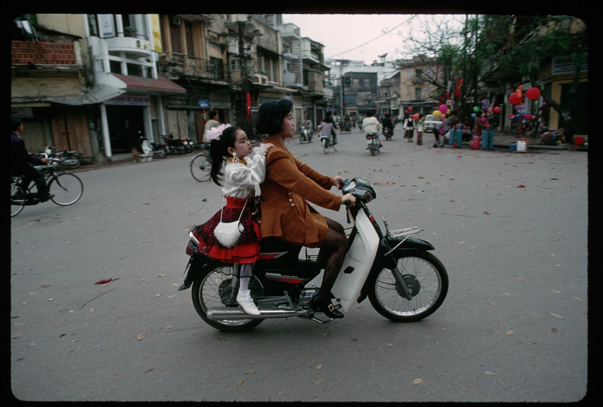 1994 Hanoi by Steve Raymer
