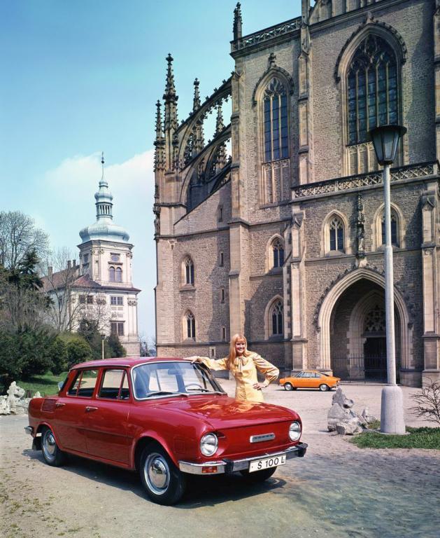 1969 Skoda 110 L выпускались чехословацким автомобильным заводом Skoda Auto в городе Млада Болеслав с 1969-го по 1976-й гг. Всего было собрано около 200 тысяч машин данной марки2