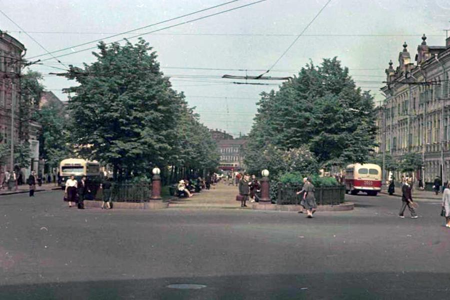 Цветные фотографии Москвы 1952 года И.Петкова