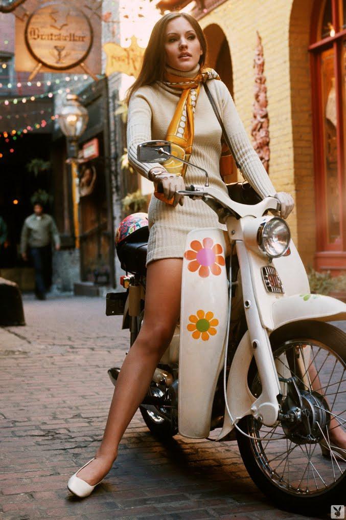 Девушка на скутере. 1969 г.