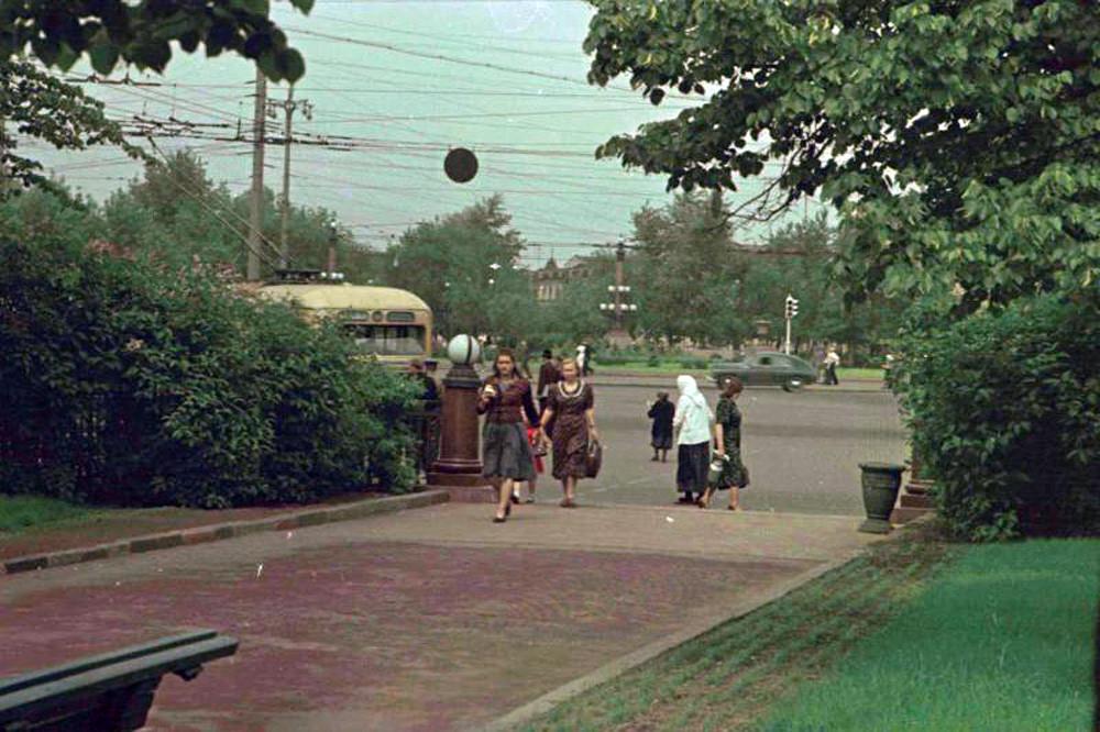1952 Сквер Цветного бульвара. Петков И.2