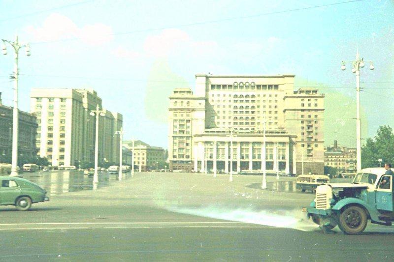 1952 Манежная площадь.Петков И.