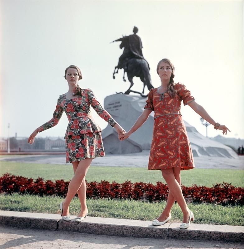 Демонстрация костюма и платья по русским мотивам. 1969 г. Фотохроника ТАСС П.Федотов