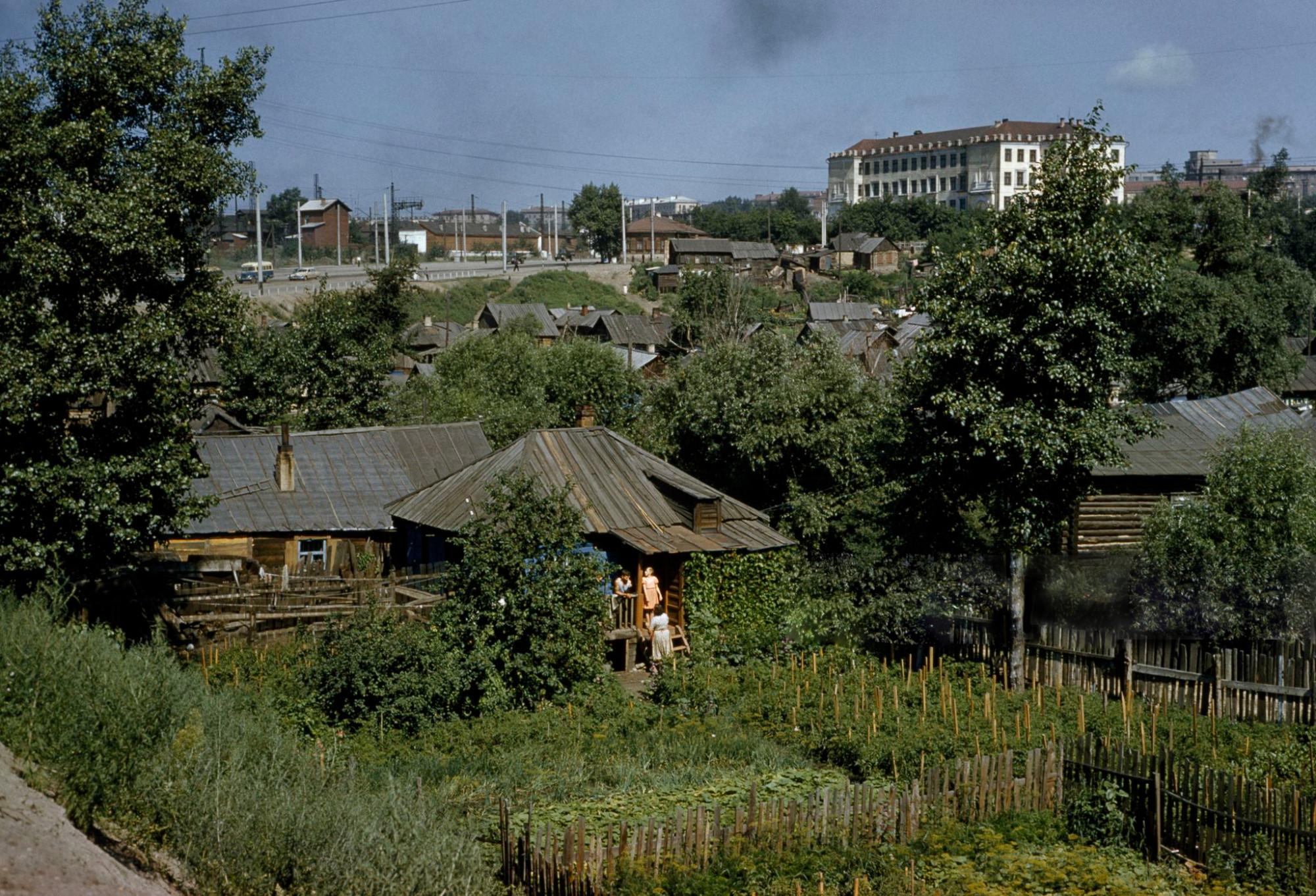 1959 Новостибирск. Частный сектор в пойме реки Каменка. Anthony Stewart