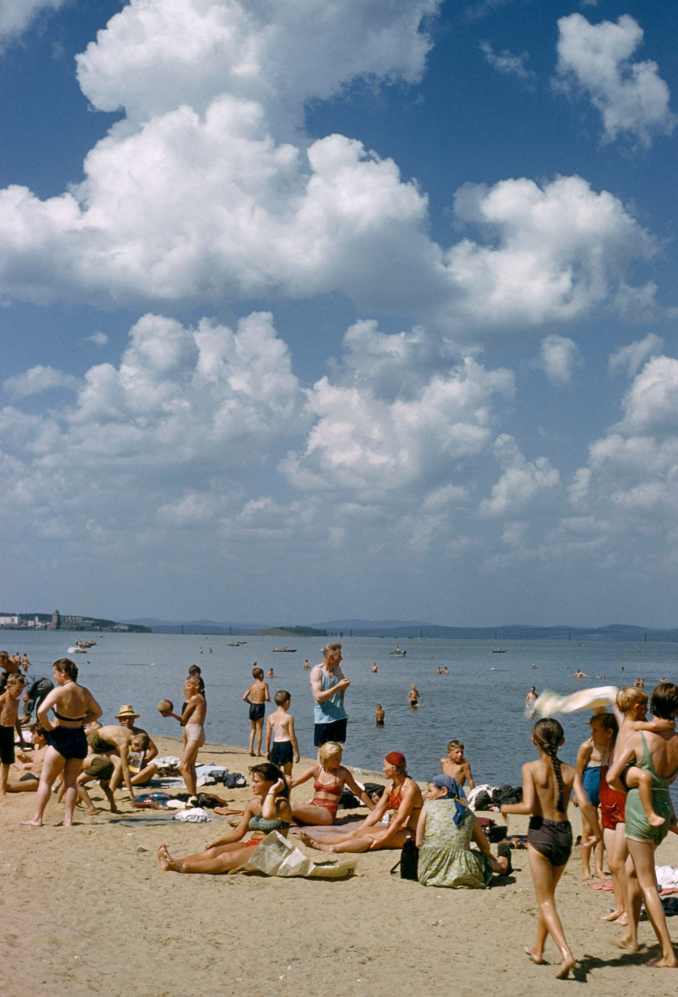 1959 Свердловск. Пляж на Исети. B. Anthony Stewart
