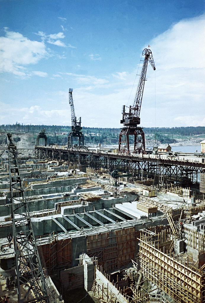 Панорама строительства водосливной плотины Братской ГЭС, сентябрь 1959 Михаил Трахман