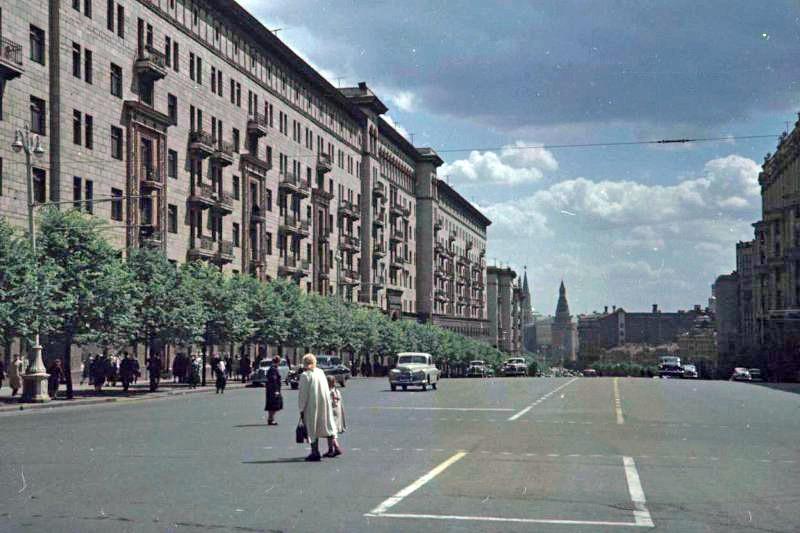 1952 Улица Горького (вид от Почтамта). Петков И.2