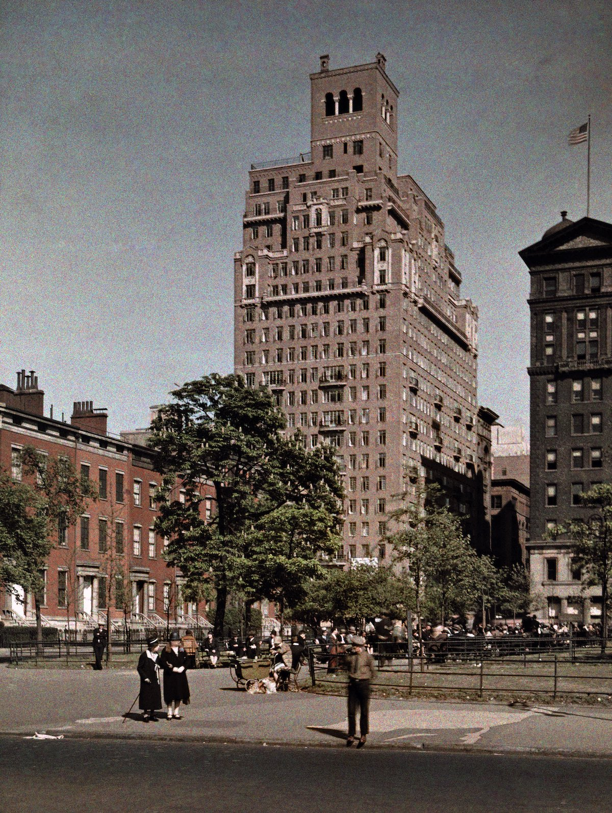 1929 Manhattan, New York City - A view of Washington Square by Adams and Wisherd