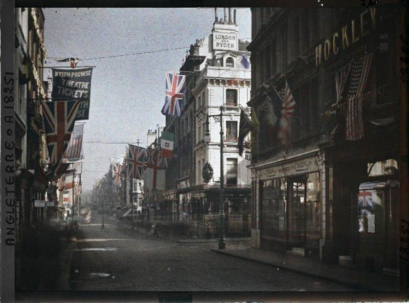 1919 London junction of New Bond Street & Clifford Street, by Fernand Cuville on 21st July 1919