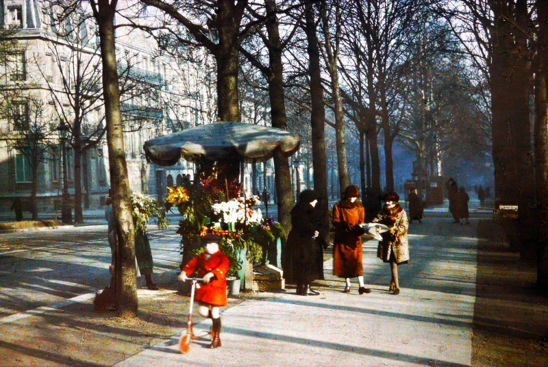 1919 Paris Avenue Hoche1