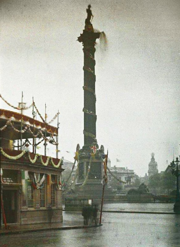 Nelson's Column was taken on the wet Tuesday of 22nd July 1919