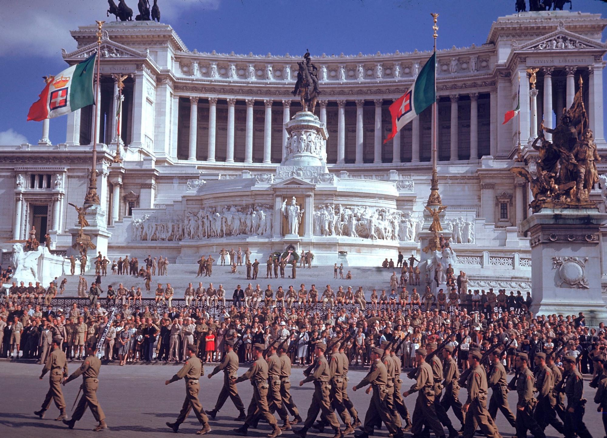 1944 July 04 Rome by Carl Mydans